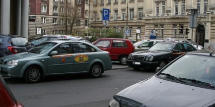 Będą nowe oznaczenia warszawskich taksówek