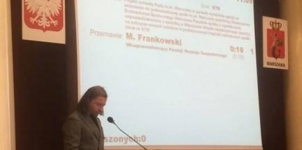 """Kluczowy projekt rewitalizacji Pragi przeszedł głosami opozycji. """"Za"""" było troje radnych PiS"""