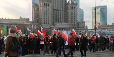 Straż Marszu Niepodległości chce usuwać policjantów ze zgromadzenia. Szef MSW odradza