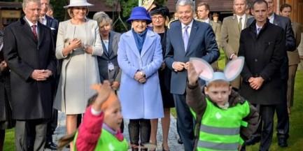 Belgijska Para Królewska zasadziła buki w podwarszawskim Powsinie