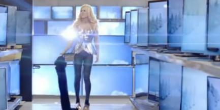 Doda nago w reklamie RTV i AGD!