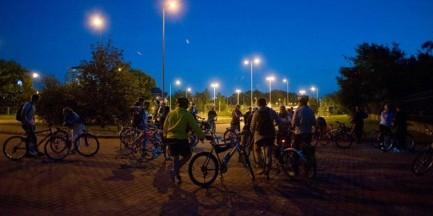 Nocnym szlakiem rowerowym przez Bródno, Zacisze, Targówek i Nową Pragę