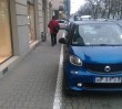 Chcą parkingów w miejsce trawników. Kontrowersyjny raport o korkach