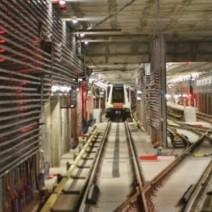 """Przecieki w tunelach II linii metra. """"To normalne zjawisko"""""""