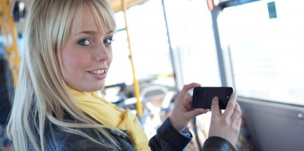 """Ładowarki w autobusach MZA. Na razie w dwóch. """"Chcemy rozszerzyć usługę"""""""