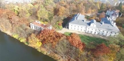 Niepowtarzalna jesień w Łazienkach Królewskich [WIDEO]