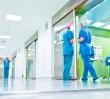 Tragiczny wypadek w Szpitalu Bródnowskim. Zdemolował salę, pobił lekarza, potem skoczył z 6. piętra