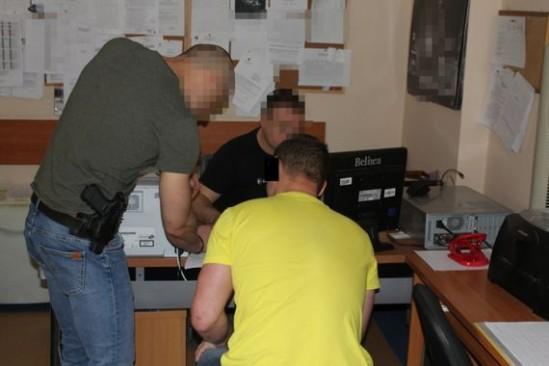 Jeden z zatrzymanych mężczyzn. Fot. policja.waw.pl