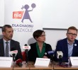 Protest ZNP. Nauczyciele usypią kopiec z kredy przed Sejmem
