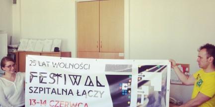 """Festiwal uliczny """"Szpitalna Łączy"""" w 25. rocznicę wolności"""