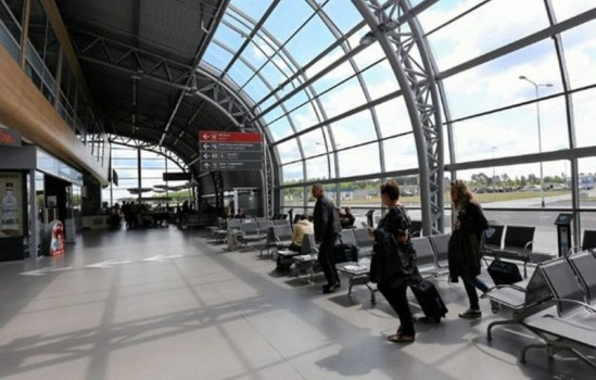 Lotnisko w Modlinie. Fot. Franciszek Mazur / Agencja Gazeta