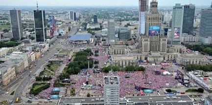 Jeden z największych banków na świecie otworzy się w Warszawie. Pracę znajdą tysiące Polaków