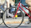 Pielgrzymi i rowerzyści na ulicach. Potężne utrudnienia w stolicy