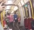 Bójka dziewcząt w tramwaju. Szokujące wideo