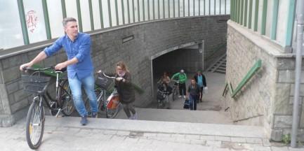"""Zniknie rowerowy absurd. """"Nie trzeba będzie wnosić rowerów po schodach"""""""