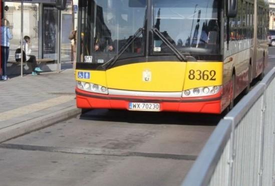 Niebezpieczny incydent w warszawskim autobusie Fot. WawaLove.pl