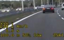 Jechał prawie 240 km/h! [WIDEO]