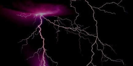 Uwaga, silne burze zbliżają się do Warszawy!
