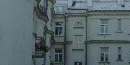W oknie na Powiślu pojawiła się twarz Lecha Kaczyńskiego?