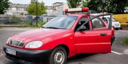 """Warszawa sprzedaje samochody po 2 tys. zł. To """"stare, wysłużone pojazdy"""""""