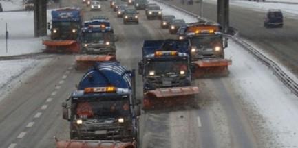 164 posypywarki w akcji. Zima nie zaskoczy warszawskich drogowców?