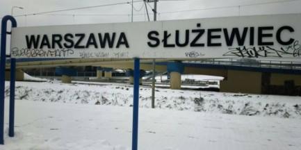 Zniszczyli tablice na stacji!