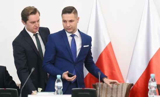 Komisja weryfikacyjna ds. reprywatyzacji ma zająć się dziś sprawą ul. Poznańskiej 14 Fot. PAP/Radek Pietruszka