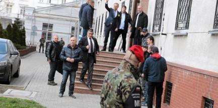 Przesłuchanie Donalda Tuska. Jesteśmy przed Prokuraturą Krajową, zobacz naszą transmisję