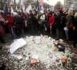 Przeciwnicy zmian w oświacie usypali przed Sejmem kopiec z kredy [ZDJĘCIA]