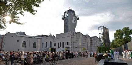 Ratusz: O apelu smoleńskim zdecydują powstańcy warszawscy
