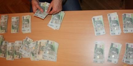 Dwóch nastolatków wyłudzało pieniądze od staruszek