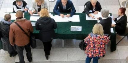 Projekt dotyczący metropolii warszawskiej wycofany, a mieszkańcy Nieporętu głosują