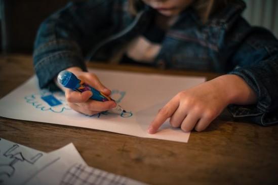 Obiecywano likwidację płatności za pobyt dziecka i faktycznie ją zniesiono, tyle że jednocześnie większych pieniędzy zażądano za żywienie. Fot. Pixabay/Skitterphoto